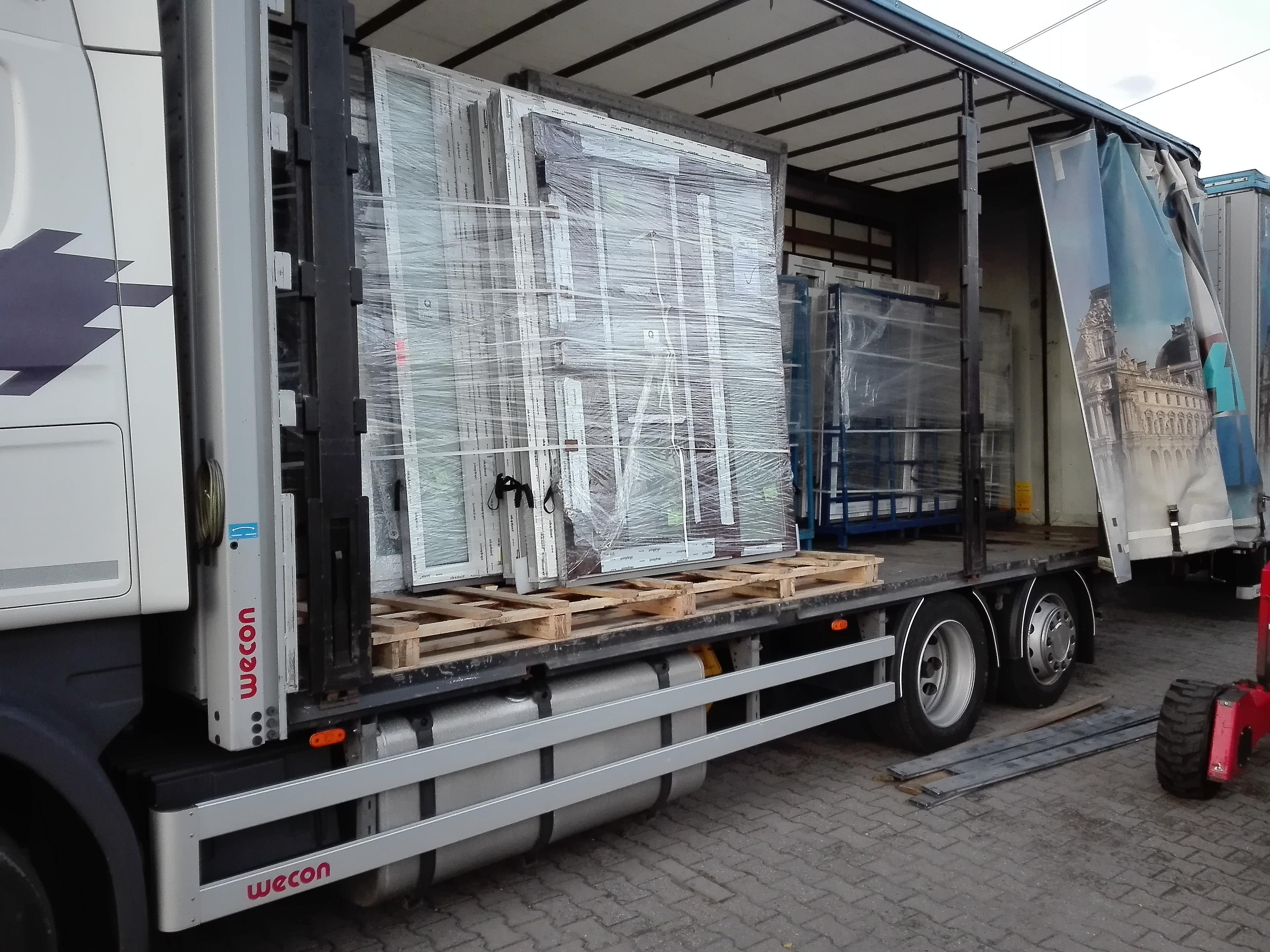 Fenster aus polnischem Fensterbau von Bauzentrum24.de kaufen !